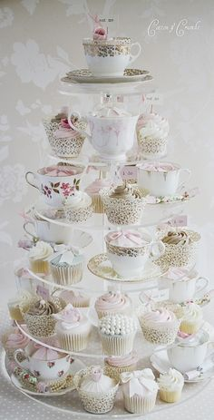 ♔ Cupcake tower ~ Anita Rendon