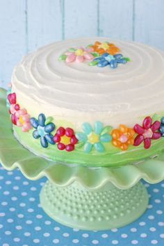 This colorful and fun Jelly Belly Flower Cake is sure to brighten up any celebration.