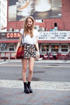 Baggy high-waisted shorts. :) The floral is cute, too.