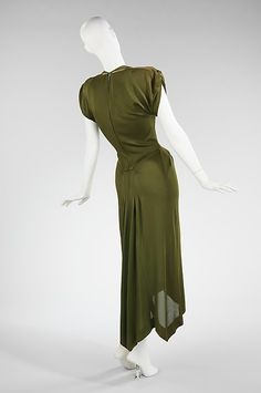 Dress (image 2) | Charles James | American | 1949 | silk | Brooklyn Museum Costume Collection at The Metropolitan Museum of Art | Accession Number: 2009.300.2753