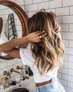 15 Non-Liquid Beauty Products to Travel With This Summer - Beauty Hacks Summer Beauty, New Hair, Your Hair, Summer Hairstyles, Trendy Hairstyles, Girl Hairstyles, Hairstyles 2018, Bridesmaid Hairstyles, Evening Hairstyles