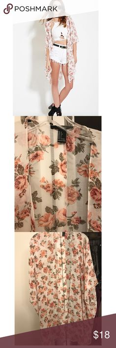 Forever 21 Floral Kimono Large New without tags Forever 21 long floral kimono in size Large. Never used. No flaws. Happy shopping 🛍🛍 price drop! No offers on this item please Forever 21 Jackets & Coats Capes