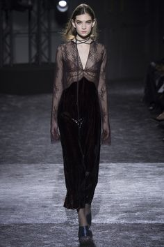 Nina Ricci Fall 2016 Ready-to-Wear Collection Photos - Vogue #NinaRicci  #fashion   #Koshchenets