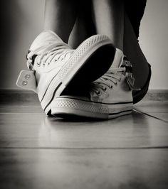 Weiße Converse Chucks! Sneaker von New Balance, Converse Chucks, DC, Vans, Nike, Adidas und Streetwear bei Sizeer.de!