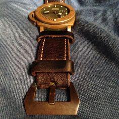 """A di stefano bronze buckle on the first Bronzo #calibremagazine #panerai #paneristi #paneraicentral #luxurywatch #watches #watchnerd #watchdaily…"""