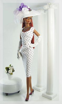 Gwendolyn's Treasures Barbie- how chic. Where can I find her outfit and trainer? Black Barbie, Barbie I, Barbie World, Barbie Dress, Barbie Clothes, Barbie And Ken, Fashion Royalty Dolls, Fashion Dolls, Poupées Barbie Collector