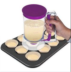 1x Cup Cake Helper Batter Dispenser No Mess Release Muffins cupcake Snap on Lid
