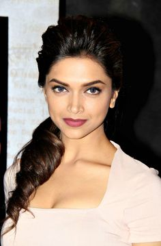 Queen of bollywood. Indian Celebrities, Bollywood Celebrities, Bollywood Fashion, Beautiful Bollywood Actress, Beautiful Indian Actress, Beautiful Actresses, Beautiful Eyes, Beautiful People, Dipika Padukone