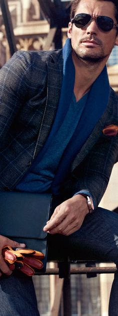 CASUAL MUST ALWAYS STILL BE CLASSY..... CLEAN CUT... SIMPLE SLEEK AND COMFORTABLE..Massimo Dutti
