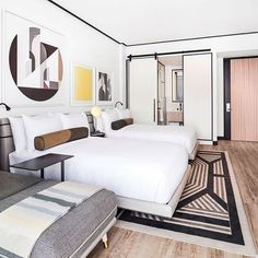 Sarah Montgomery Design Tips for getting a boutique hotel bedroom The William Vale Hotel, Brooklyn Hotel Inspired Bedroom, Boutique Hotel Bedroom, Luxe Boutique, Interior Design Minimalist, Modern House Design, Vale Hotel, Hotel Room Design, Hotel Decor, Art Deco Hotel