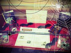 Novo rincón e nova Guía especial Samaín para os máis xoves! A Bebeteca e a Biblioteca Infantil e Xuvenil recolle nesta nova guía as mellores lecturas de misterio e terror especial Samaín... Terrorífico!!!!! http://bibliotecadicoruna.blogspot.com.es/2013/10/guia-de-samain-da-bebeteca-e-de.html