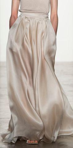 dá pra fazer a nossa saia midi transpassada com pregas em um tecido fino tbm, vai ficar legal