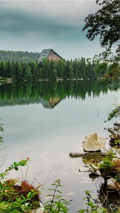 Štrbské pleso and Popradské pleso - easy hike in High Tatras Slovakia Best Countries To Visit, Countries Of The World, Hiking Routes, Hiking Trails, High Tatras, Tatra Mountains, European Destination, Closer To Nature, Mountain Resort