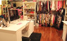 I would love to have my office in my closet.