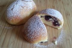 Jagodzianki – polnische Blaubeerbrötchen Jagodzianki – Polish blueberry rolls, a good recipe from the category finger food. Mexican Dinner Recipes, Greek Recipes, Sweets Recipes, Baking Recipes, French Desserts, Frozen Meals, Polish Recipes, French Pastries, Cooking Light