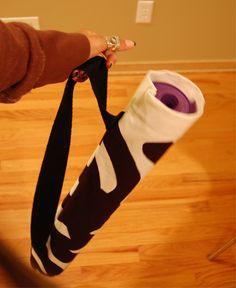 Repurpose upholstery samples into a DIY yoga bag! Yoga Matt, Yoga Mat Bag, Diy Crafts For Gifts, Craft Bags, Marimekko, Fabric Samples, Fabric Scraps, Make Your Own, Diys