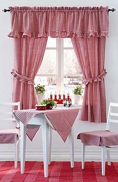 Easy Lined Kitchen Curtains Easy Kitchen Curtains, and they're lined too! A fast DIY update for your kitchen window. Chic Bathrooms, Chic Kitchen, Curtains, Shabby Chic Kitchen, Red Kitchen, White Decor, Curtain Designs, Country Curtains, Home Decor