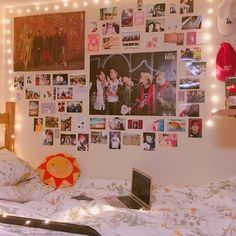 Room decor quarto kpop trendy ideas - JP Home Design Advice 2020 Army Room Decor, Bedroom Decor, Army Bedroom, Kpop Diy, Cute Room Ideas, Room Goals, Aesthetic Room Decor, Room Tour, Dream Rooms