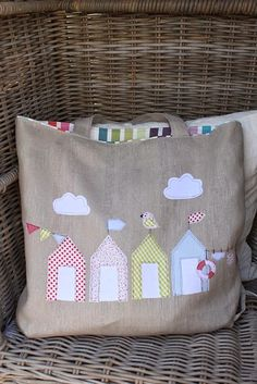 Check out our market bags selection for the very best in unique or custom, handmade pieces from our shops. Cute Crafts, Diy And Crafts, Sewing Crafts, Sewing Projects, Red Brolly, Diy Pinterest, Applique Cushions, Inexpensive Christmas Gifts, Diy Bags Purses