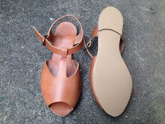 Scared Stitchless: Tan Leather Sandals // love the step by step photos - these are just gorgeous