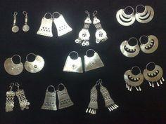 Resultado de imagen para aros mapuche Stone Jewelry, Metal Jewelry, Jewelry Art, Gold Jewelry, Jewelery, Jewelry Design, India Jewelry, Tribal Jewelry, Bohemian Jewelry