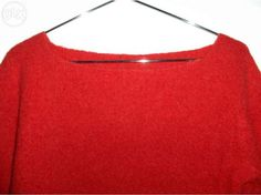 7,50 €: Camisola malha vermelha, decote barco, Tam M. Pouco usada