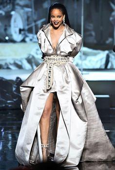 Siren in Silk Alexandre Vauthier ball gown, Rihanna VMAs 2016