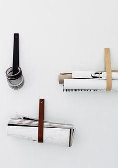 5 Favorites: DIY Magazine Racks Made from Leather Straps – Remodelista – Towel hanger diy Mason Jar Crafts, Mason Jar Diy, Diy Home Decor Projects, Diy Projects To Try, Leather Drawer Pulls, Diy Hanging Shelves, Towel Storage, Wall Storage, Organizer
