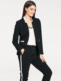 728988f2b2 Cette jolie veste courte féminine est idéale pour toutes occasions #mode # femme #veste