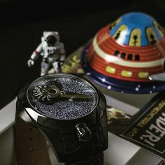 Explore time and galaxy together on your wrist with the Spaceship. Let the adventure live! Fine Jewelry, Jewelry Making, Luxury Watches, Newport, Spaceship, Diamond Engagement Rings, Jewelry Watches, Explore, Adventure