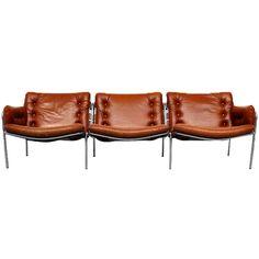 Martin Visser; Brushed Steel and Leather 'Osaka 3' Sofa for Spectrum, 1969.
