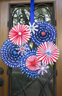 4th of July Wreath - made with patriotic paper pinwheels!