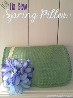 So cute and easy - DIY No Sew Spring Pillow by #amomstake