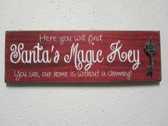 Santas Magic Key Sign by BornOnBonn on Etsy Holiday Signs, Christmas Signs, Winter Christmas, Christmas Wreaths, Christmas Decorations, Christmas Ornaments, Christmas Wood Crafts, Christmas Projects, Holiday Crafts