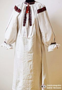 Tara barsei. Gabriel Boriceanu collection Folk Costume, Costumes, Gabriel, Duster Coat, Bell Sleeve Top, Textiles, Traditional, Embroidery, Knitting