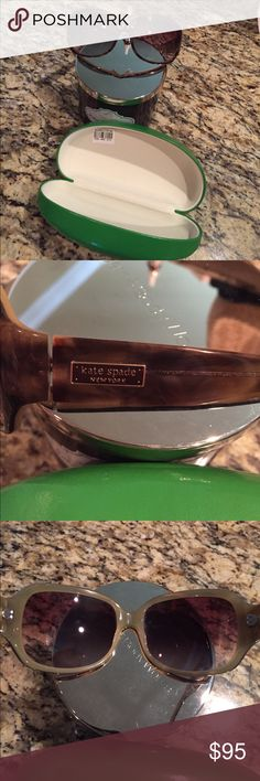 😳👍Kate Spade tortious sunglasses EUC with case 💐Beautiful sunglasses with style bought from Nordstrom and they are perfect without any scratches etc... case included kate spade Accessories Sunglasses