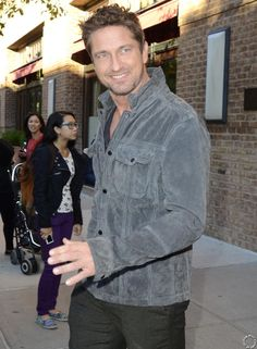 """Gerard Butler """"oot and aboot"""" in NYC - 10/22/12"""