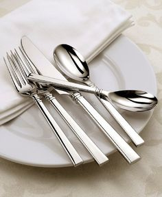 Oneida Shaker 20-Piece Flatware Set Service for 4 Oneida https://smile.amazon.com/dp/B001V6RHJE/ref=cm_sw_r_pi_dp_x_pWTcybPVT3F97