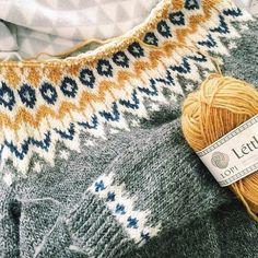 Fair Isle Knitting, Knitting Yarn, Knitting Designs, Knitting Projects, Knitting Patterns, Crochet Patterns, Icelandic Sweaters, How To Purl Knit, Yarn Crafts