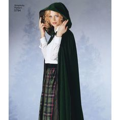 Simplicity sewing pattern for elegant Misses' capes with variations. From Teresa Nordstrom. Adult Costumes, Cosplay Costumes, Glinda The Good Witch, Wicked Witch, Classic Halloween Costumes, Capes For Women, Costume Patterns, Simplicity Sewing Patterns, Elegant