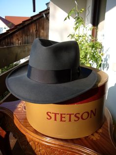 Vintage Fedora in it's box # ThingstoWear Stetson Fedora, Fedora Hat, Mens Dress Hats, Men Dress, Gentleman Hat, Cool Hats, Well Dressed Men, Hats For Men, Mens Fashion