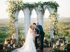 Exclusive Photos! See Every Detail of Shawn Johnson and Andrew East's Rustic, Romantic Wedding