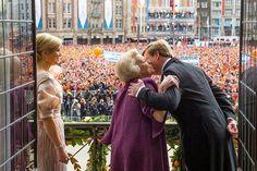 Una nueva generación de Reyes toma el relevo de la Monarquía #realeza #royalty