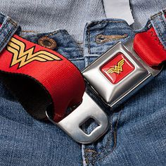 Ahhhhh i totally want this Wonder Woman Seatbelt Belt. Logo Wonder Woman, Superman Wonder Woman, Dc Memes, Warrior Princess, Geek Chic, Belts For Women, Women's Accessories, My Girl, Troy