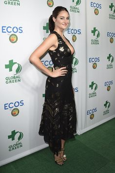 Shailene Woodley in Prabal Gurung dress and Christian Louboutin sandals attends the 2016 Global Green Awards held at the Alexandria Ballroom in Los Angeles, California (1)