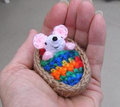 Amigurumi mouse in a walnut shell