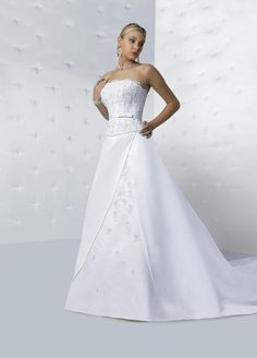 Style T8112 » Wedding Gowns » DaVinci Bridal » Available Colours : Ivory, White