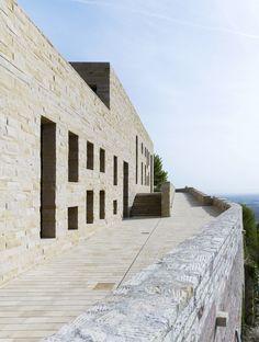 DAM Preis für Architektur 2012 -   (German DAm Prize for Architecture 2012)  Max Dudler - Extension of Hambach Castle