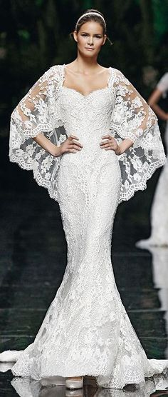 """Manuel Mota, 2013  Simply gorgeous!  If I were only 5' 10"""" this gown would look fantastic!"""