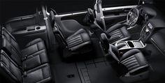Lancia Voyager, czarne wnętrze.